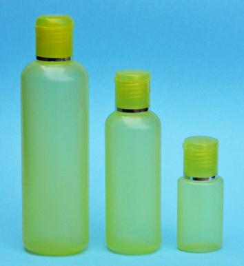 SNSET-THYHDPEB125YFTDL-125ml Translucent Yellow HDPE Round Boston Bottle with 24/410 Yellow Flip Top Dispensing Lid with Metallic Silver Rim