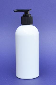 SNSET-250WBPETBFRP-250ml White Boston PET Bottle with Black Fine Ribbed Pump 24/410